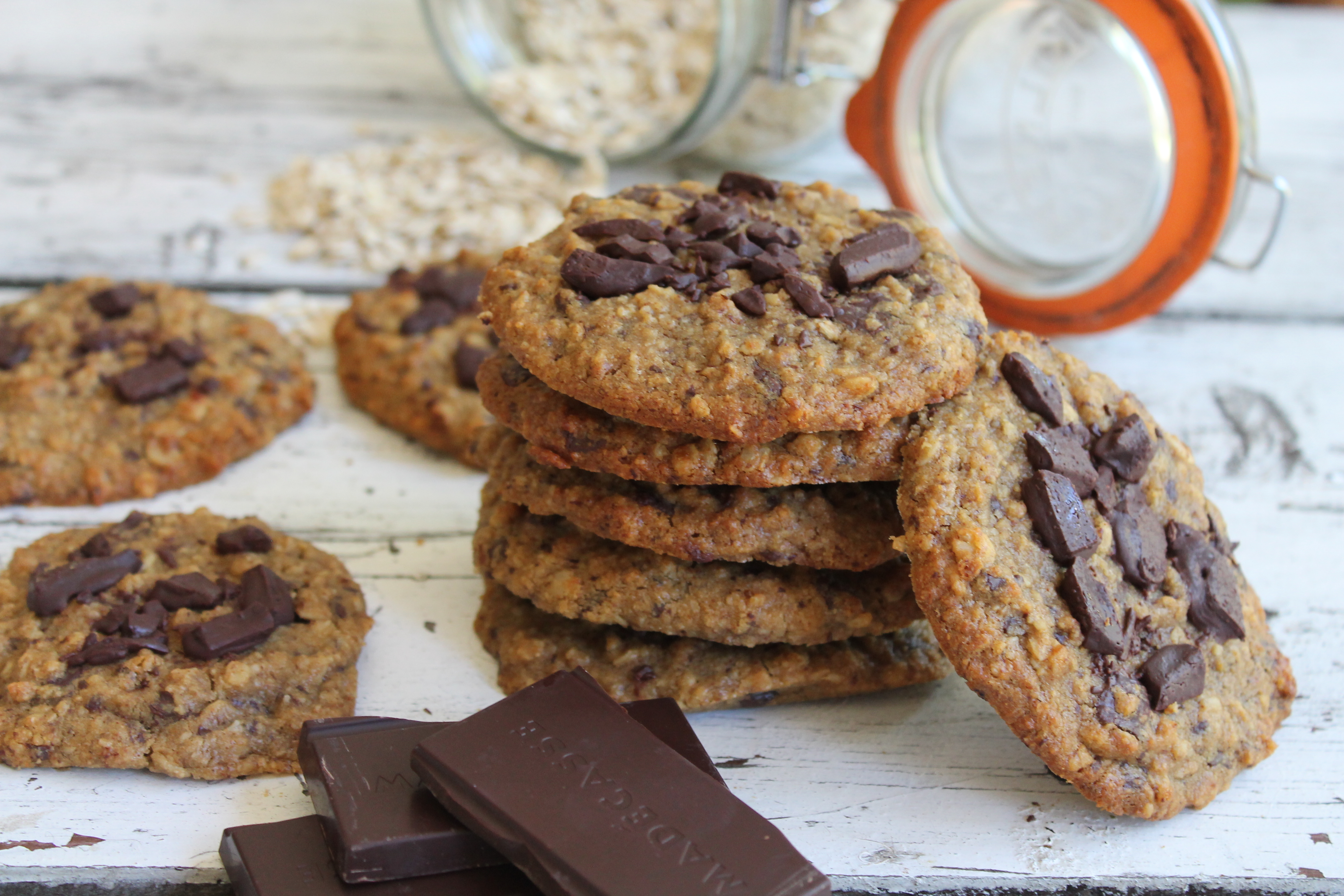 Oaty Chocolate Chips Cookies