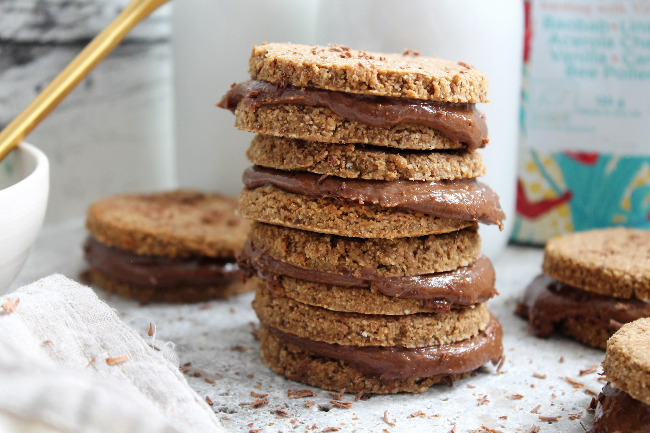 Vanilla & Chocolate Sandwich Cookies