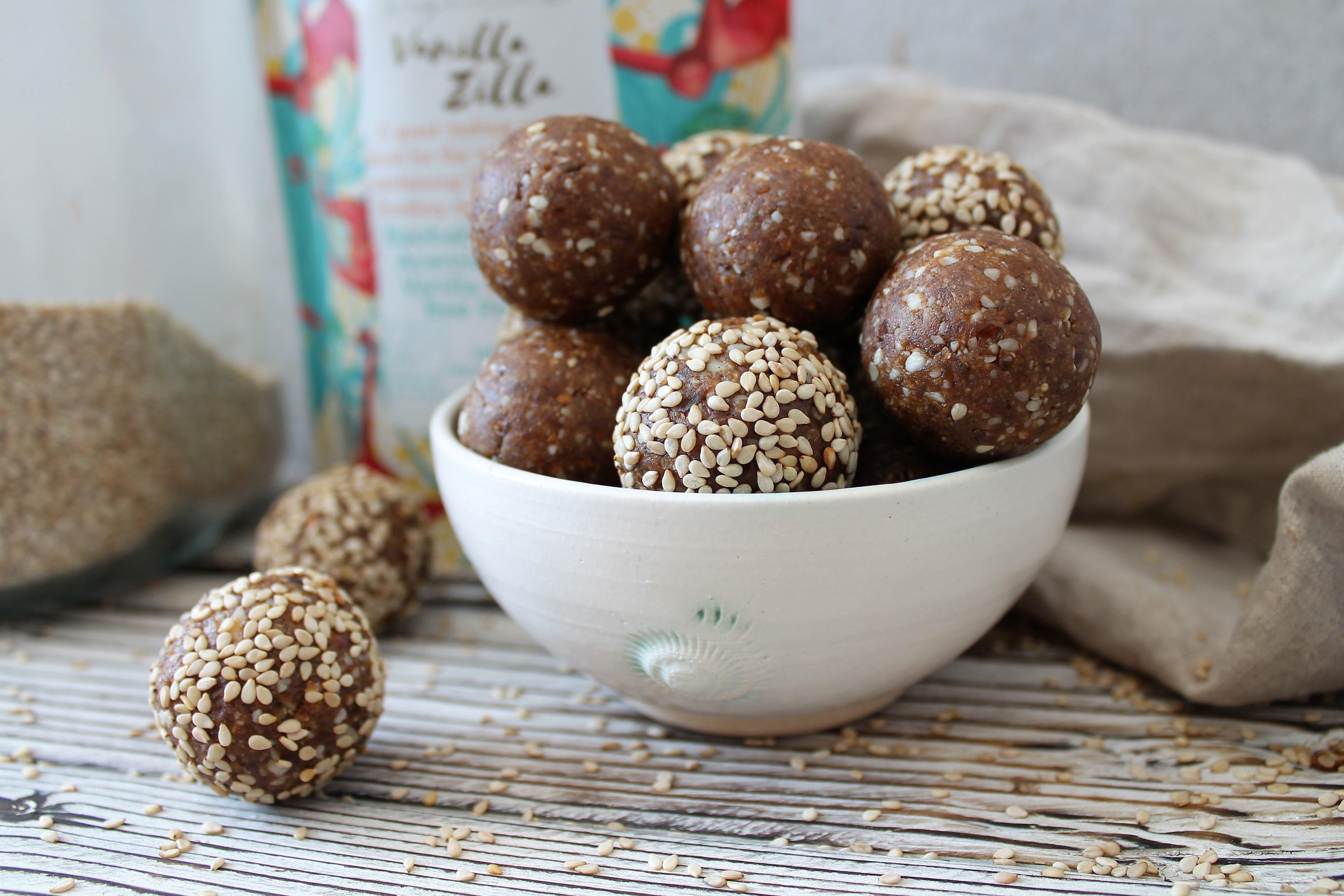 Vanilla & Sesame Energy Balls